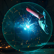 [大国工匠]90后焊接项目冠军曾正超:青春在焊花中绽放
