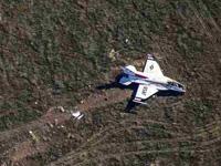 美军飞行表演队2架战机坠毁