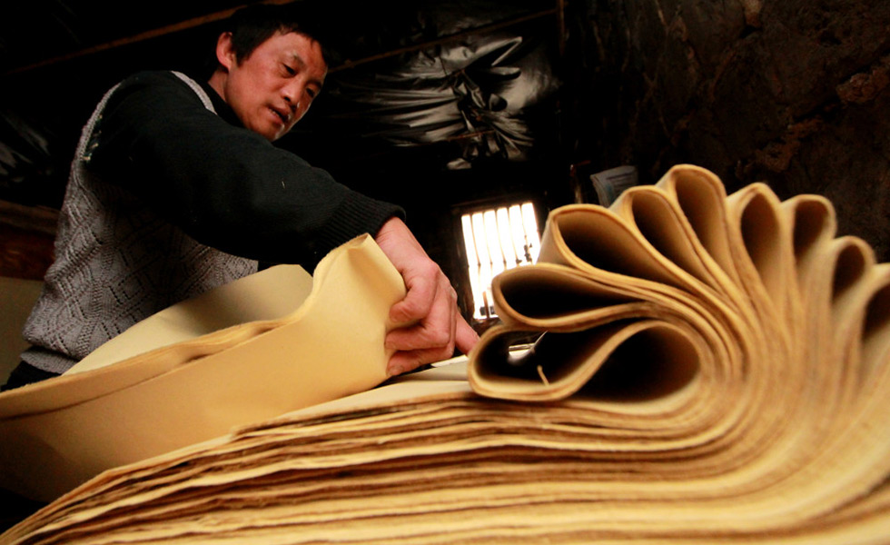 隆回滩头手工抄纸传承人李志军:接过祖辈流传下的事业[组图]