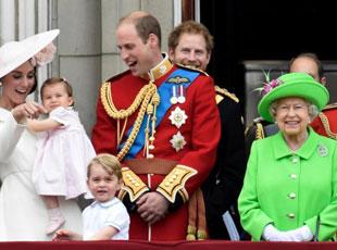 英女王90大寿庆典 乔治夏洛特兄妹最抢镜