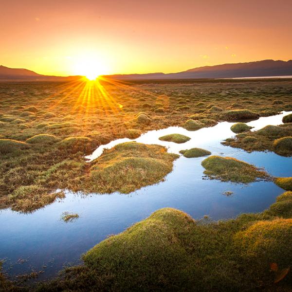 静谧流光,多姿幻彩湖