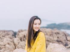 吴倩清新写真曝光 白衣浅笑显青春气息(图)