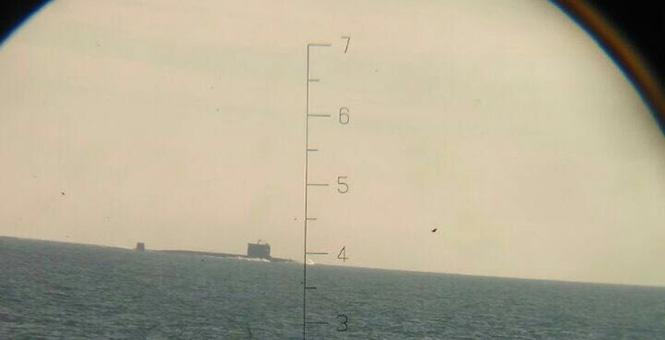 印尼軍艦拍攝中國潛艇編隊過馬六甲海峽