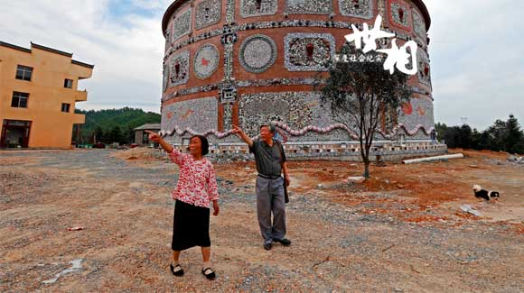 【世相】景德镇八旬老人耗资600万造瓷宫