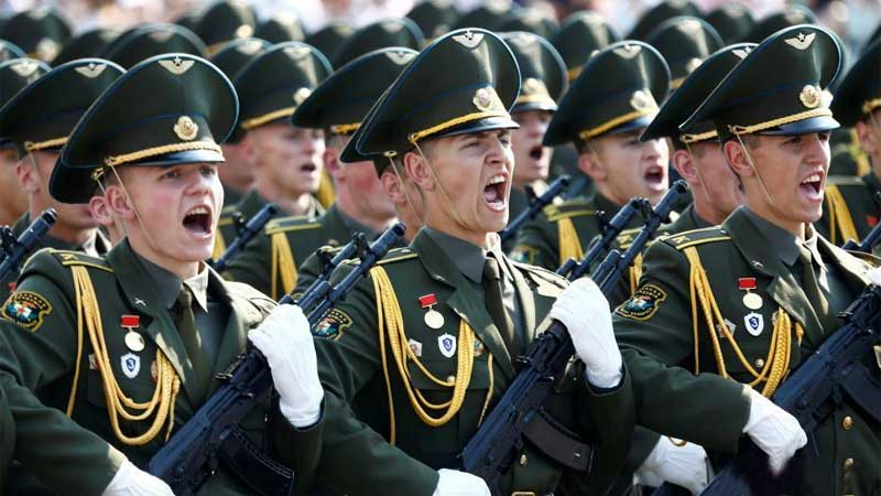 白俄罗斯举行阅兵 纪念独立日