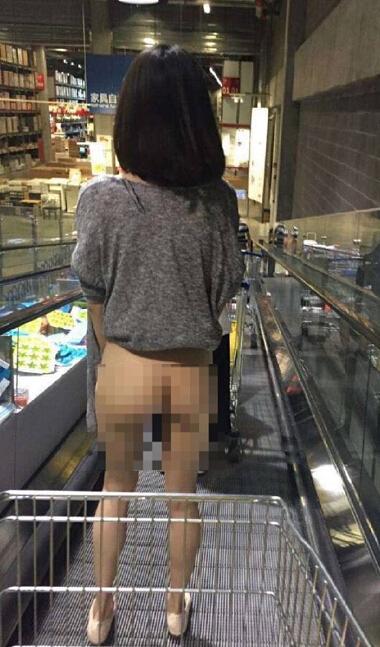 网传女子赤裸购物不雅照