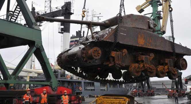 俄北方舰队打捞出一辆二战美军援苏主战坦克