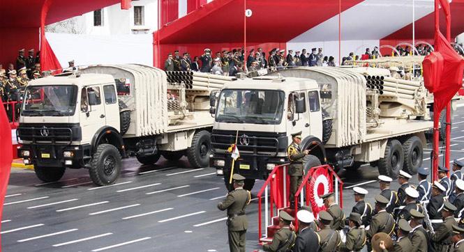 秘鲁举行独立日阅兵