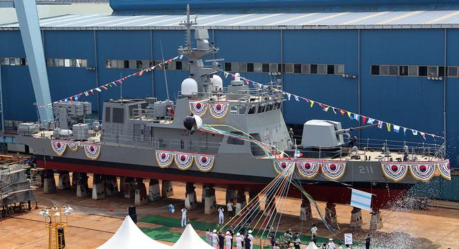 韩国新下水PKMR火箭巡逻炮艇