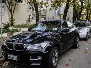 巴西劫匪抢劫俄外交官反被夺枪击毙