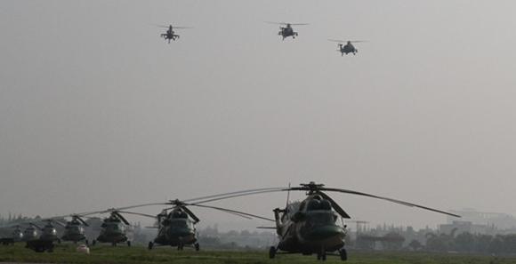 陆军隆重举行专用武装直升机授装仪式