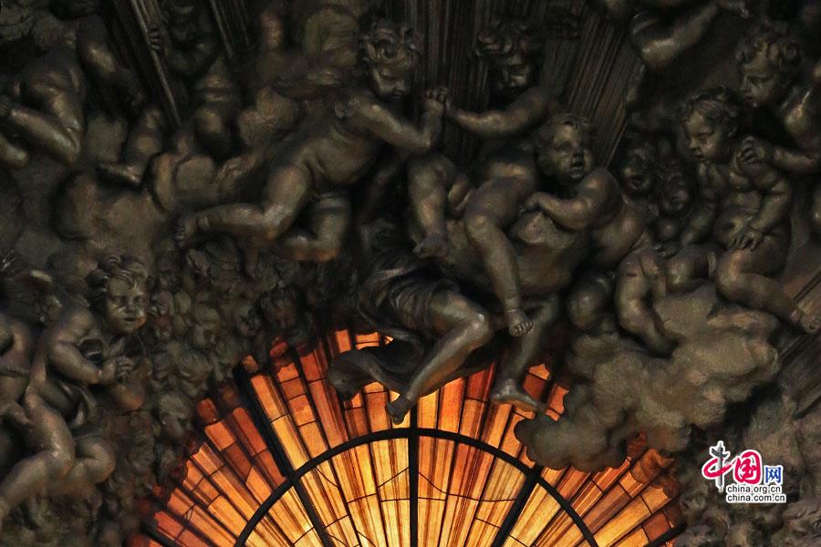 意域风情(十九 中)圣彼得大教堂,天国的救赎