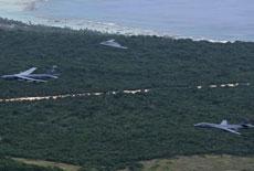 军情24小时:美军轰炸机三巨头在关岛齐飞
