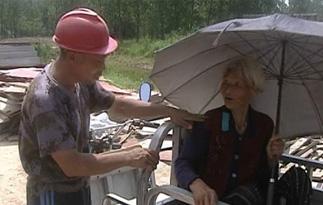 5旬农民带着91岁母亲工地打工防老人丢失