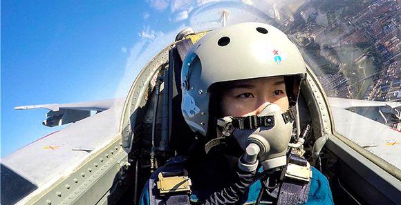 秋高气爽 带你体验飞行员视角的天高云淡