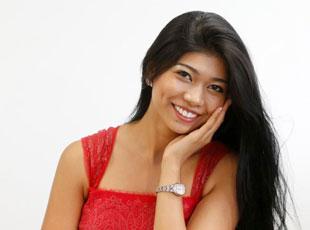 遭吐槽日本小姐冠军试新装露自信笑容