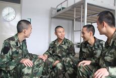 【军情24小时】武警新兵的一天