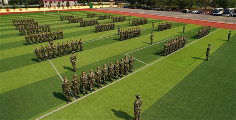 这些新兵经过训练后将分赴边海防一线执勤