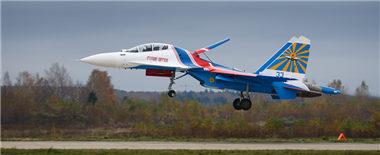 """俄""""勇士""""特技飞行表演队开始换装苏-30SM"""