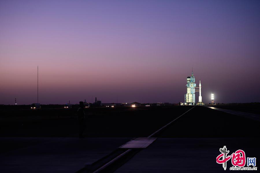 神舟十一号载人飞船发射成功 习近平致电表示热烈祝贺