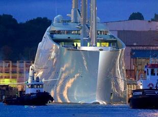 俄富豪打造全球最大超级游艇试水价值27亿