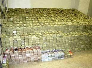 华裔商人涉毒被引渡墨西哥 家中曾被搜出2亿美元