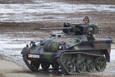 【军情24小时】德国袖珍战车抢镜