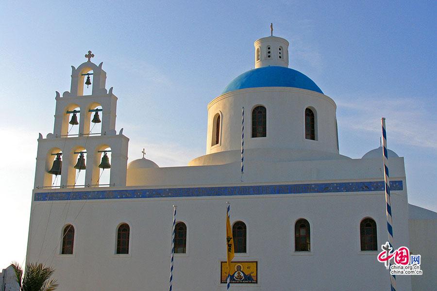 伊亚小镇大教堂