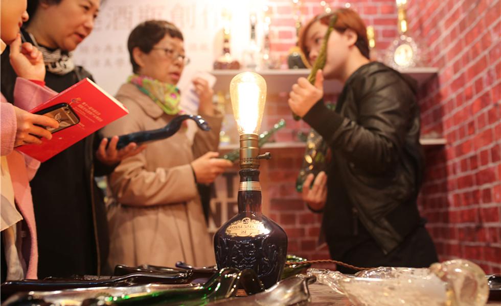 北京文博会上的台湾文创精品馆:古典与流行并存