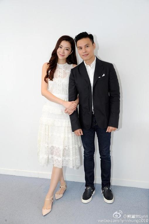 熊黛林晒与郭可盈弟弟合照宣布:结婚了
