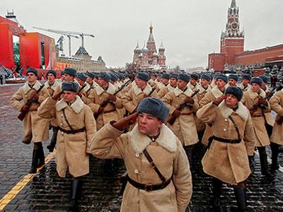 俄红场阅兵场景仿佛穿越1941年