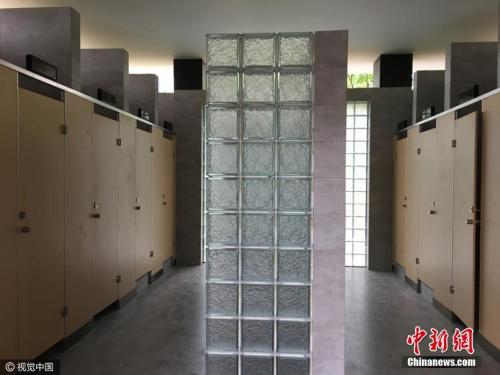 资料图:上海首座无性别公厕。