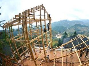 广西龙胜寨采用传统技艺建造新楼 不含一颗铁钉
