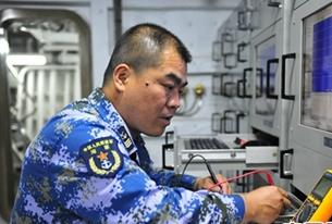 易国:作战部门指控中心指控区队长