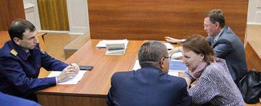 俄前经济部长受贿被审画面曝光 已被普京免职