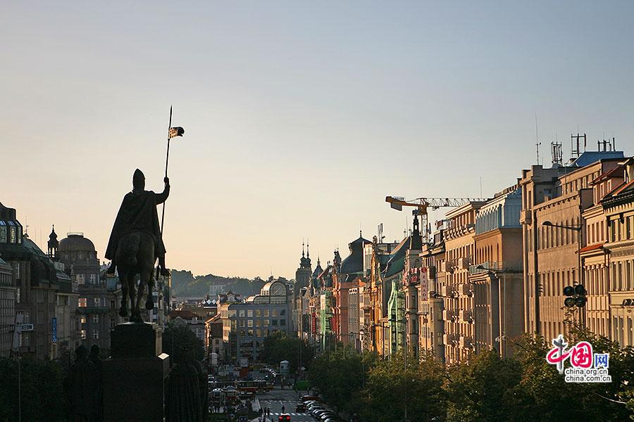 捷尽风华(十八)新旧城:踩着布拉格的石头路游荡