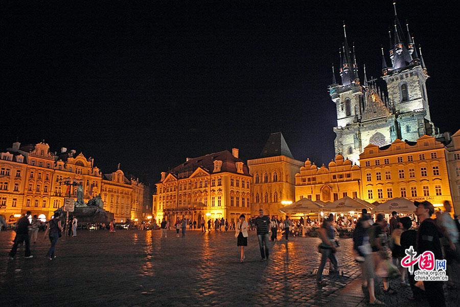 布拉格广场与双子塔