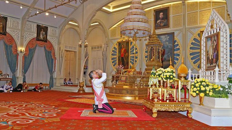 泰国新国王拉玛十世登