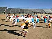 四川藏区冬日暖阳下的校园