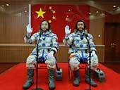 新华社记者镜头下的神十一航天员飞天全程