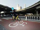 北京三环97公里彩色自行车道完工