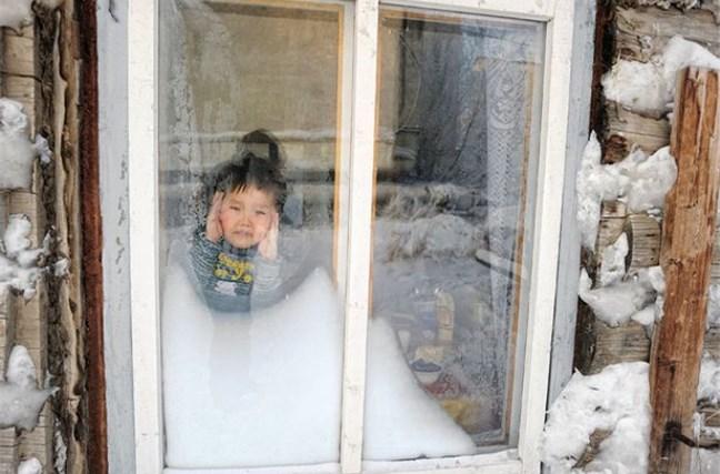 西伯利亚孩子太强悍 零下53度仍上学