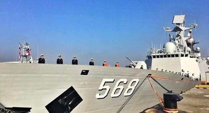 第25批护航编队出征 家属送别