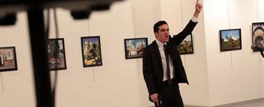 俄驻土大使遇刺身亡 普京召开紧急会议