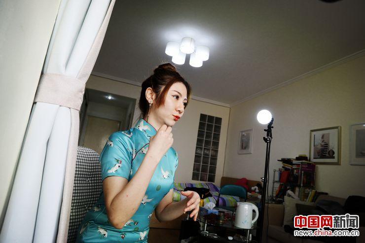 李藏一表示自己很喜欢网络主播这个行业