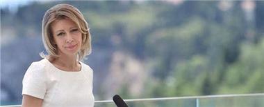 俄外交部美女发言人亮丽裙装多为国货
