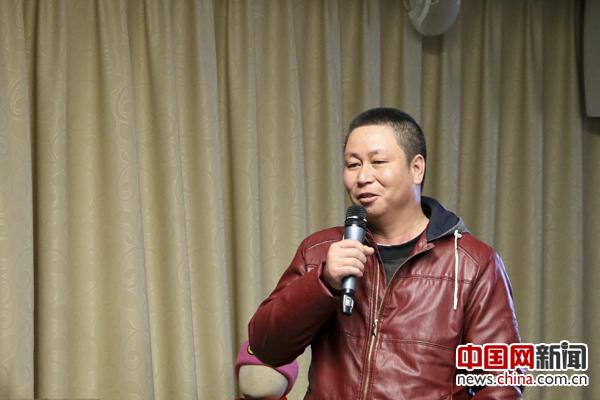 尧国华说有了中石油的免费服务,他和妻子两人春节回家往返只需要花100多钱路费。