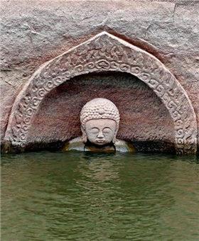 """江西發現摩崖造像 """"佛頭""""遺跡浮出水面"""