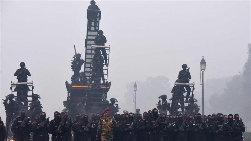 印度为迎接共和日进行阅兵彩排