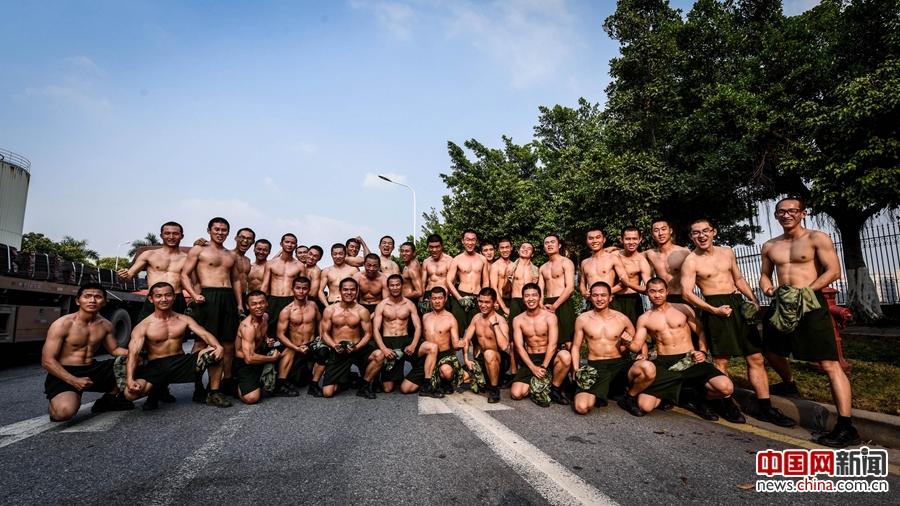 军情24小时 中国海警新兵大 变身图片